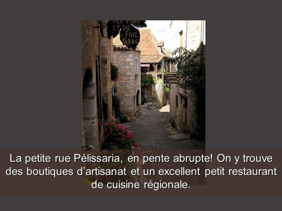 La petite rue Pélissaria, en pente abrupte