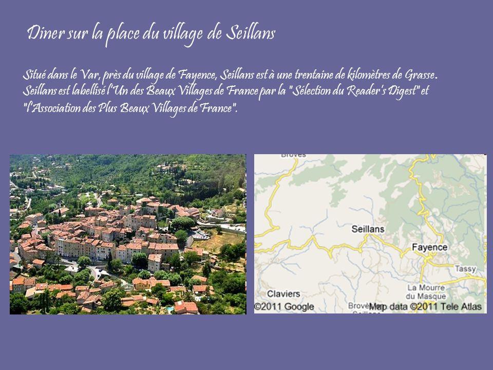 Diner sur la place du village de Seillans