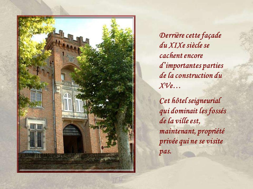 Derrière cette façade du XIXe siècle se cachent encore d'importantes parties de la construction du XVe…