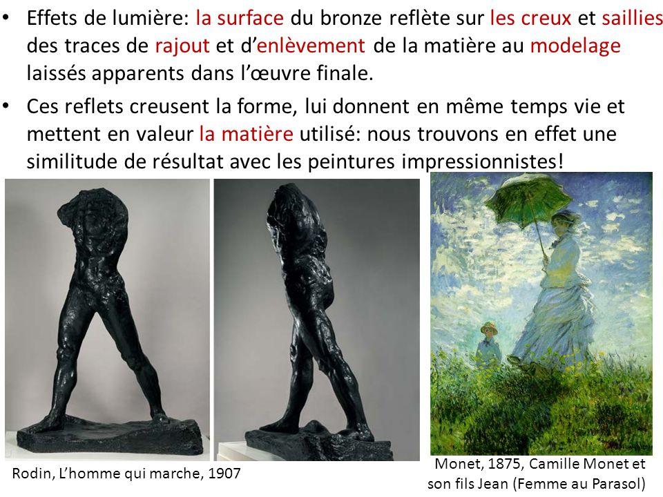 Effets de lumière: la surface du bronze reflète sur les creux et saillies des traces de rajout et d'enlèvement de la matière au modelage laissés apparents dans l'œuvre finale.