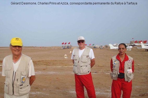 Gérard Desimone, Charles Prins et Aziza, correspondante permanente du Rallye à Tarfaya
