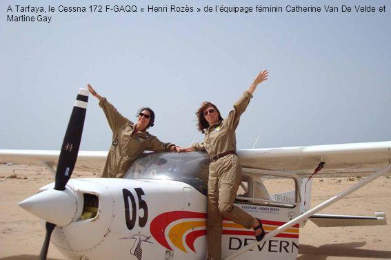 A Tarfaya, le Cessna 172 F-GAQQ « Henri Rozès » de l'équipage féminin Catherine Van De Velde et Martine Gay