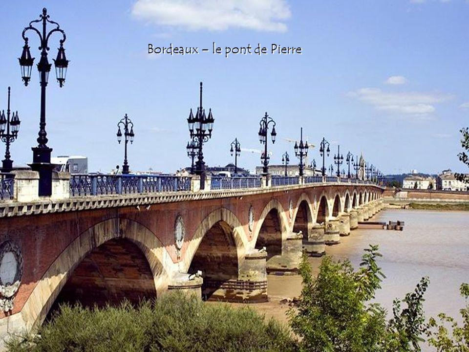 Bordeaux – le pont de Pierre