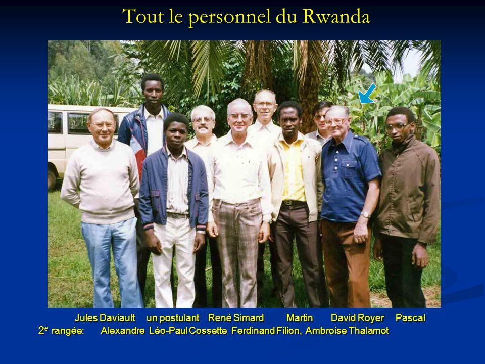 Tout le personnel du Rwanda