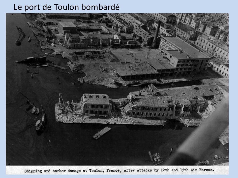 Le port de Toulon bombardé