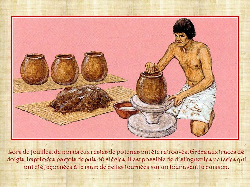 Lors de fouilles, de nombreux restes de poteries ont été retrouvés
