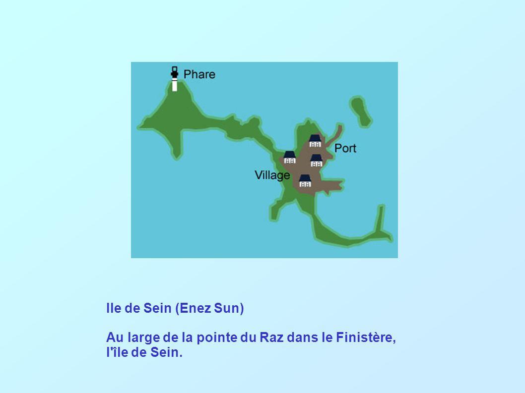 Ile de Sein (Enez Sun) Au large de la pointe du Raz dans le Finistère, l île de Sein.