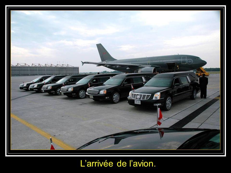 L'arrivée de l'avion.