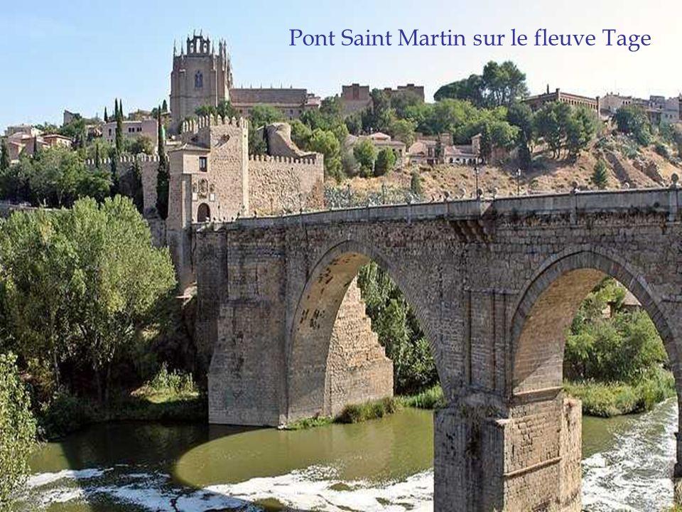 Pont Saint Martin sur le fleuve Tage