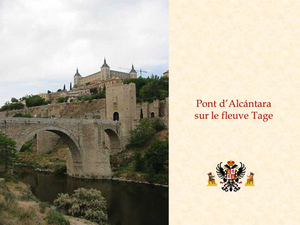 Pont d'Alcántara sur le fleuve Tage