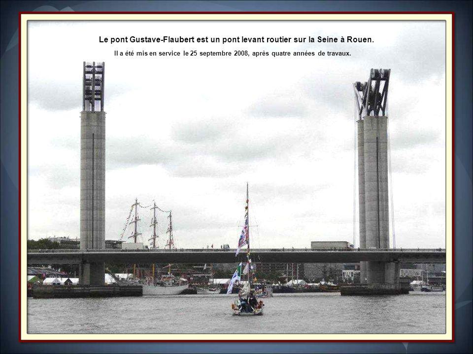 Le pont Gustave-Flaubert est un pont levant routier sur la Seine à Rouen.