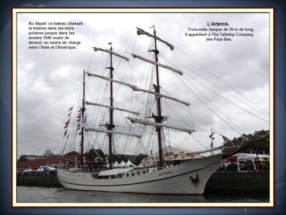 L'Artémis. Trois-mâts barque de 59 m de long,