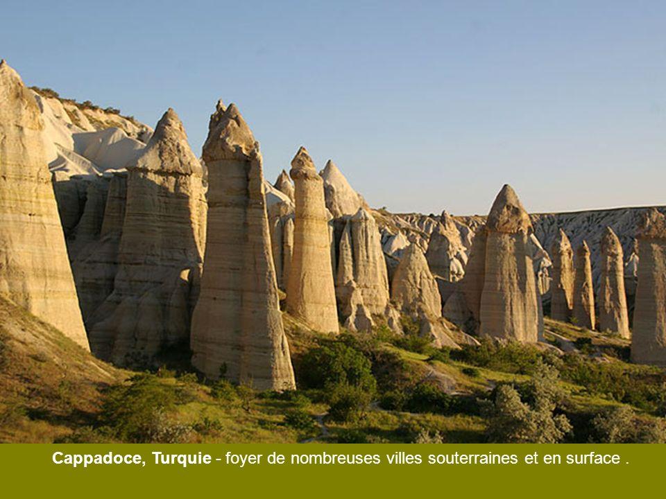Cappadoce, Turquie - foyer de nombreuses villes souterraines et en surface .