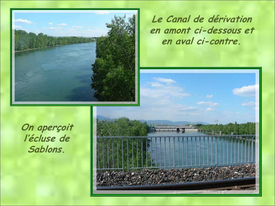 Le Canal de dérivation en amont ci-dessous et en aval ci-contre.