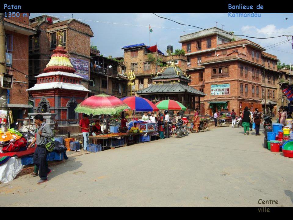 Patan 1350 m Banlieue de Katmandou Centre ville