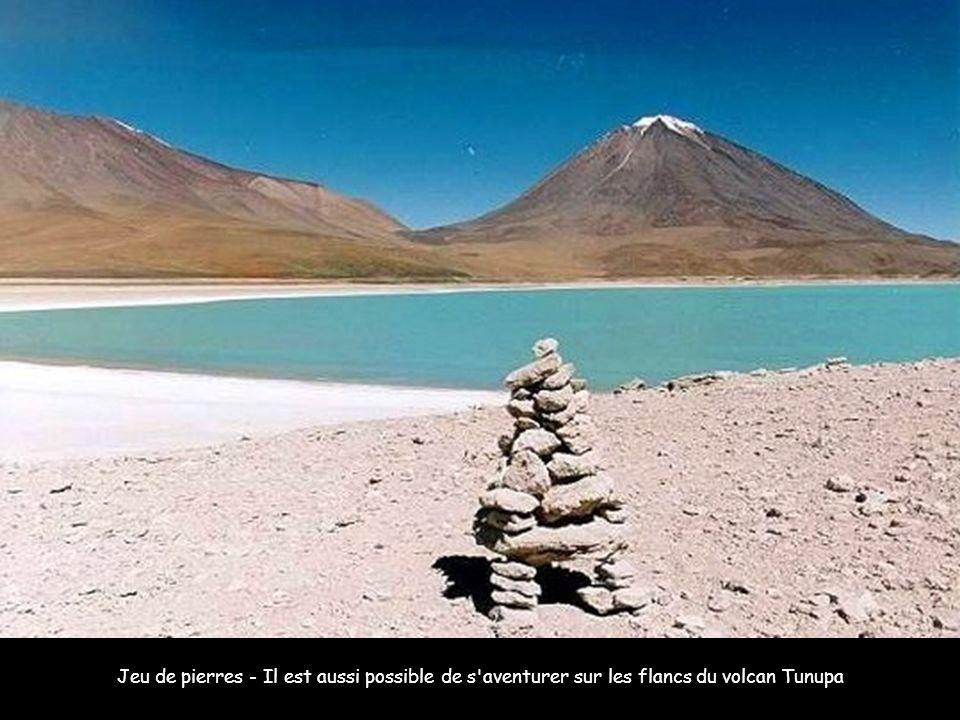 Jeu de pierres - Il est aussi possible de s aventurer sur les flancs du volcan Tunupa