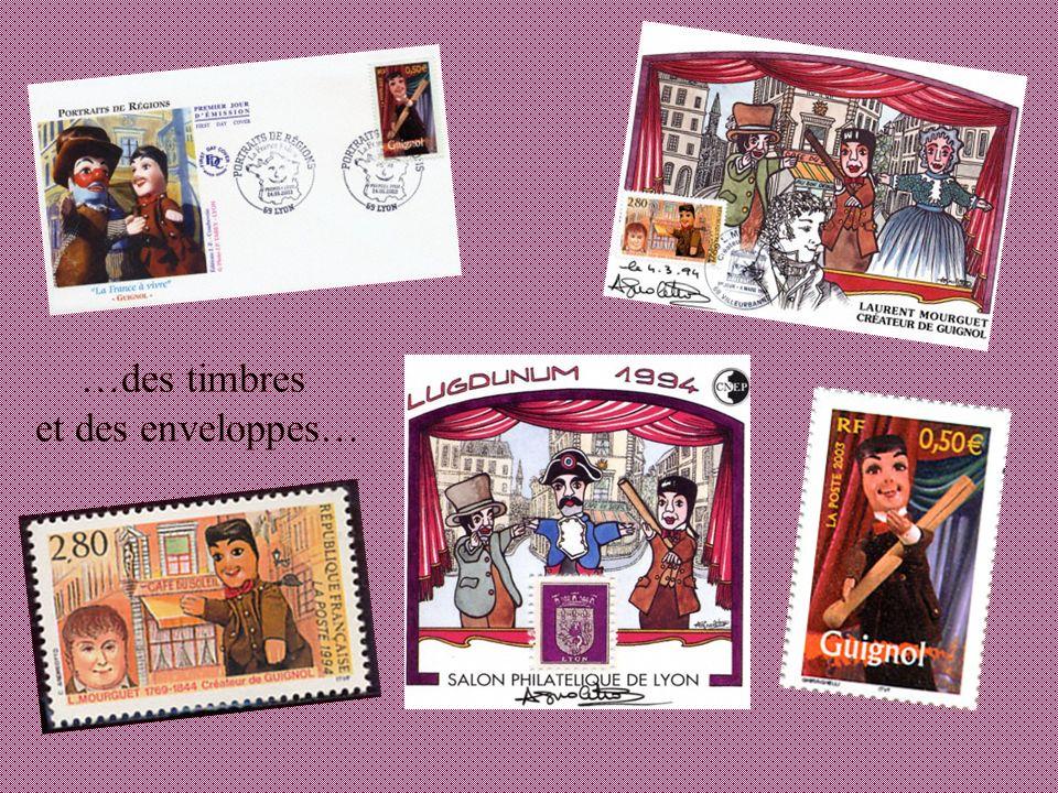…des timbres et des enveloppes…