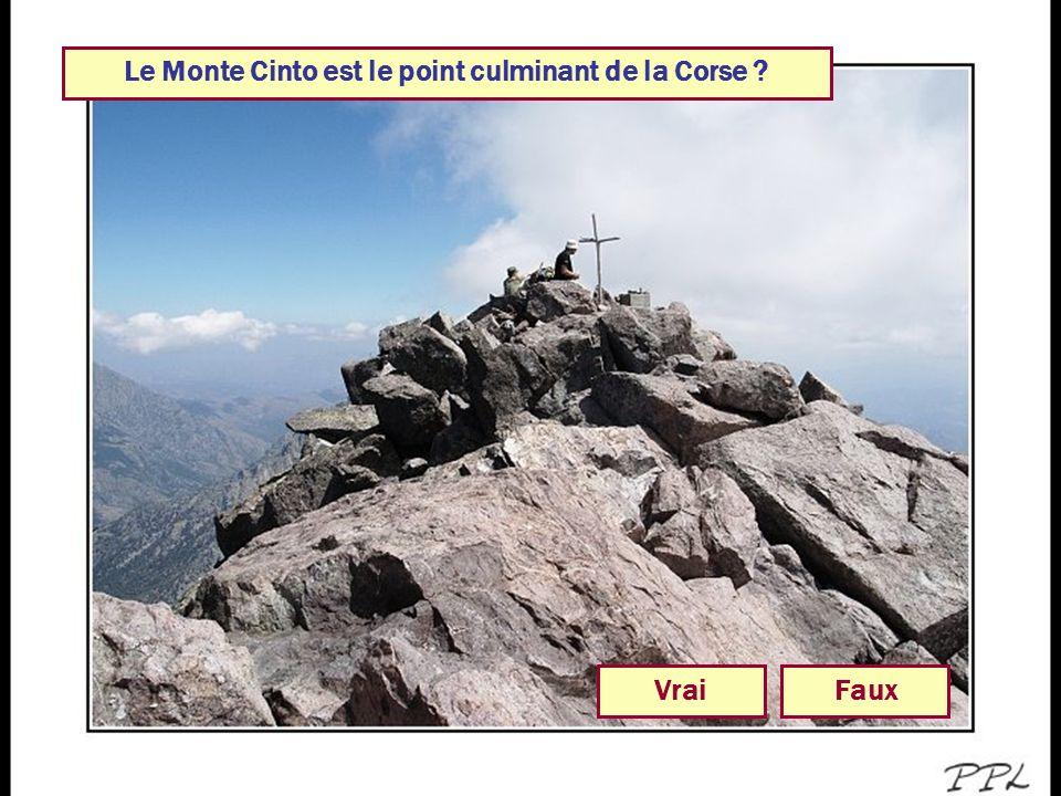 Le Monte Cinto est le point culminant de la Corse