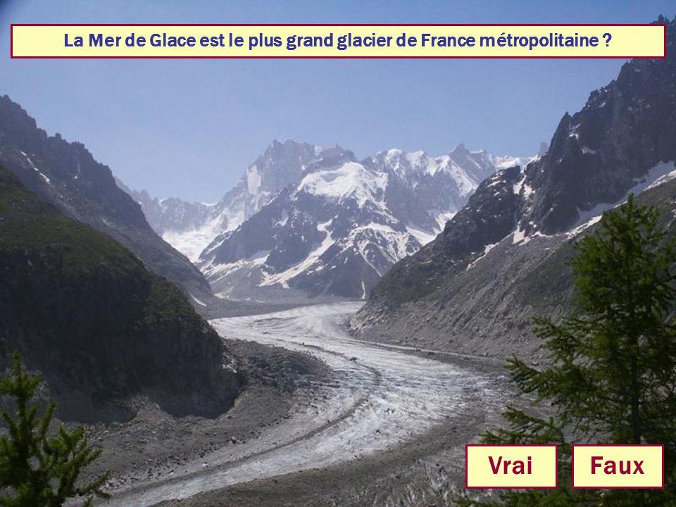 La Mer de Glace est le plus grand glacier de France métropolitaine