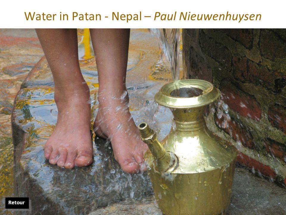 Water in Patan - Nepal – Paul Nieuwenhuysen