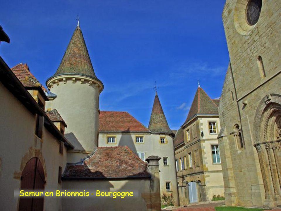 Semur en Brionnais - Bourgogne
