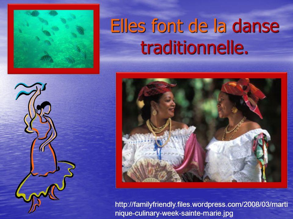 Elles font de la danse traditionnelle.