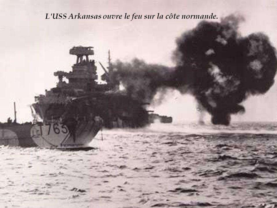 L USS Arkansas ouvre le feu sur la côte normande.