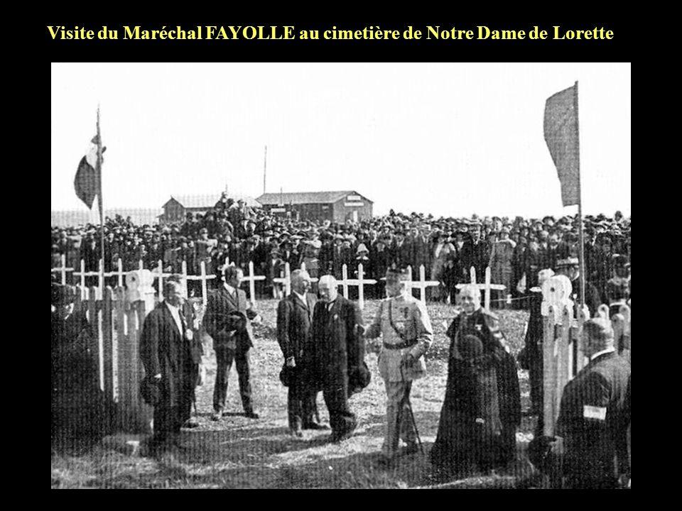 Visite du Maréchal FAYOLLE au cimetière de Notre Dame de Lorette