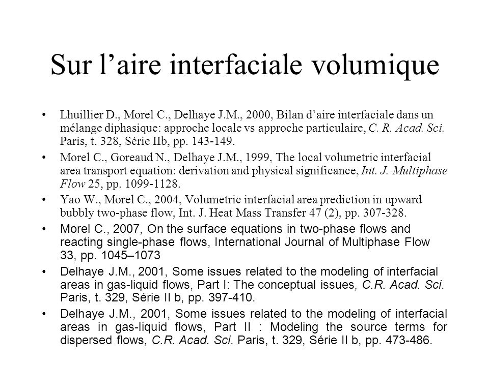 Sur l'aire interfaciale volumique