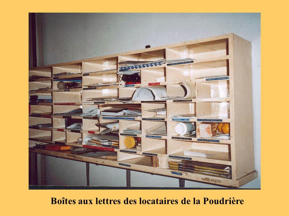 Boîtes aux lettres des locataires de la Poudrière