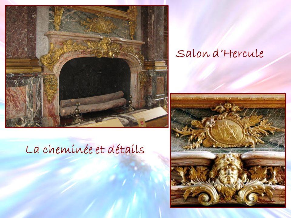 Salon d'Hercule La cheminée et détails