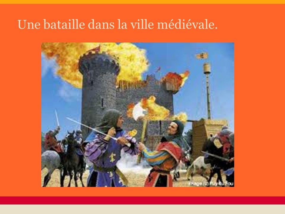 Une bataille dans la ville médiévale.