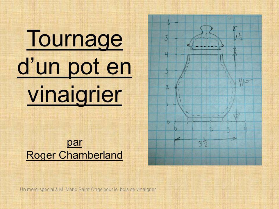 Tournage d'un pot en vinaigrier par Roger Chamberland