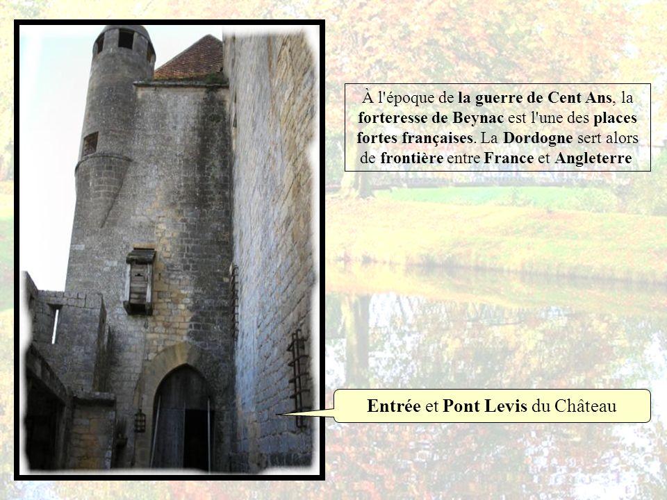Entrée et Pont Levis du Château
