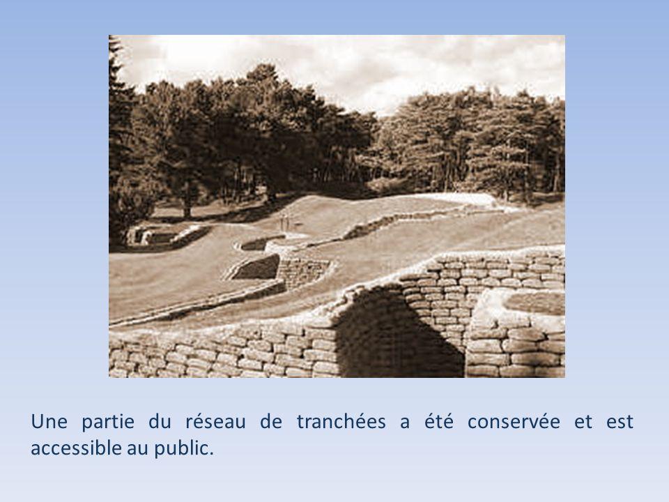 Une partie du réseau de tranchées a été conservée et est accessible au public.