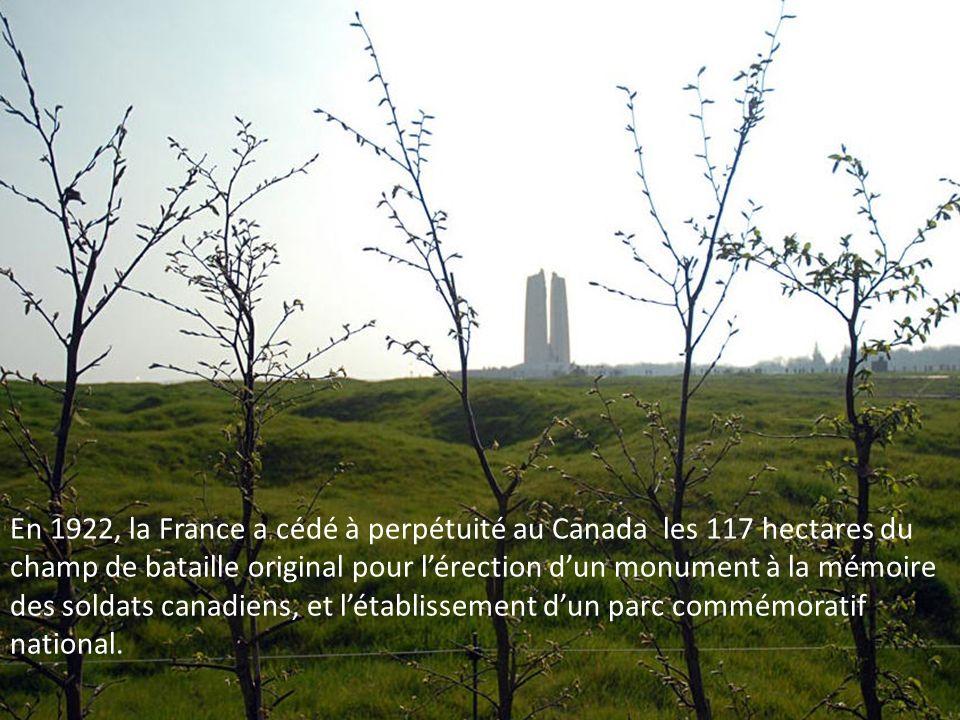 En 1922, la France a cédé à perpétuité au Canada les 117 hectares du champ de bataille original pour l'érection d'un monument à la mémoire des soldats canadiens, et l'établissement d'un parc commémoratif national.