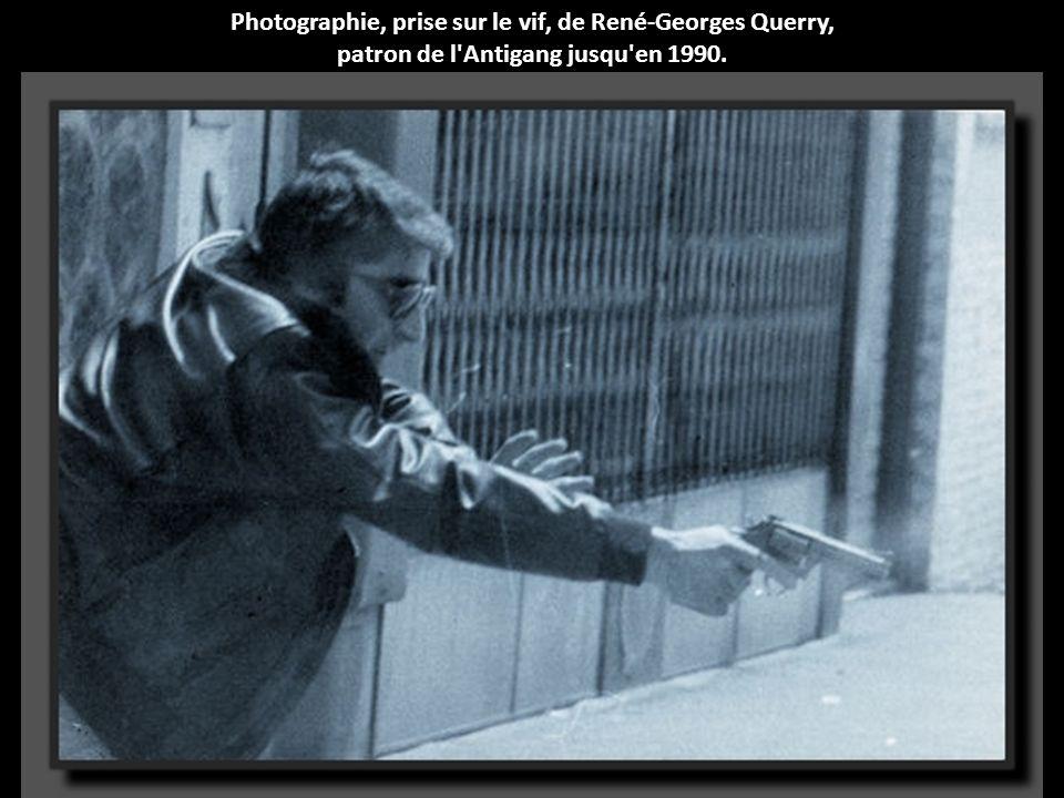 Photographie, prise sur le vif, de René-Georges Querry,