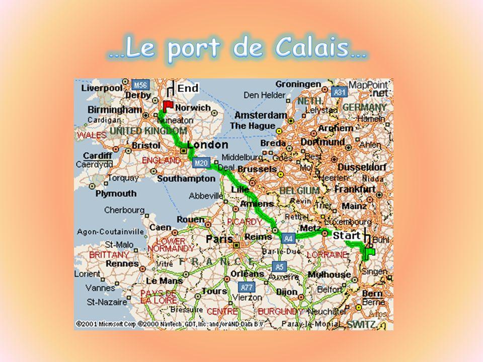 …Le port de Calais…