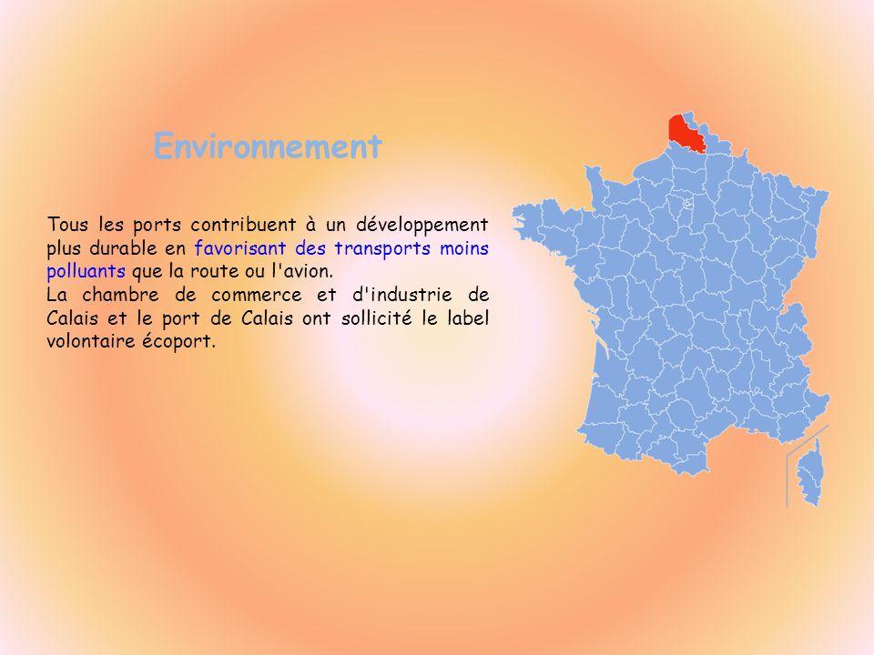 Environnement Tous les ports contribuent à un développement plus durable en favorisant des transports moins polluants que la route ou l avion.