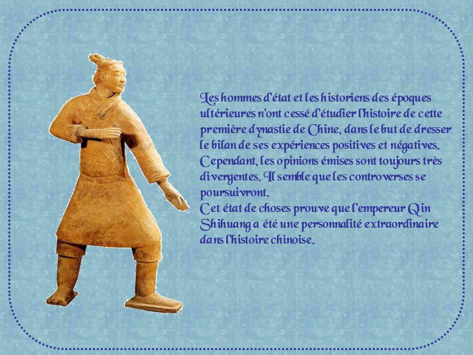 Les hommes d'état et les historiens des époques ultérieures n'ont cessé d'étudier l'histoire de cette première dynastie de Chine, dans le but de dresser le bilan de ses expériences positives et négatives. Cependant, les opinions émises sont toujours très divergentes. Il semble que les controverses se poursuivront.