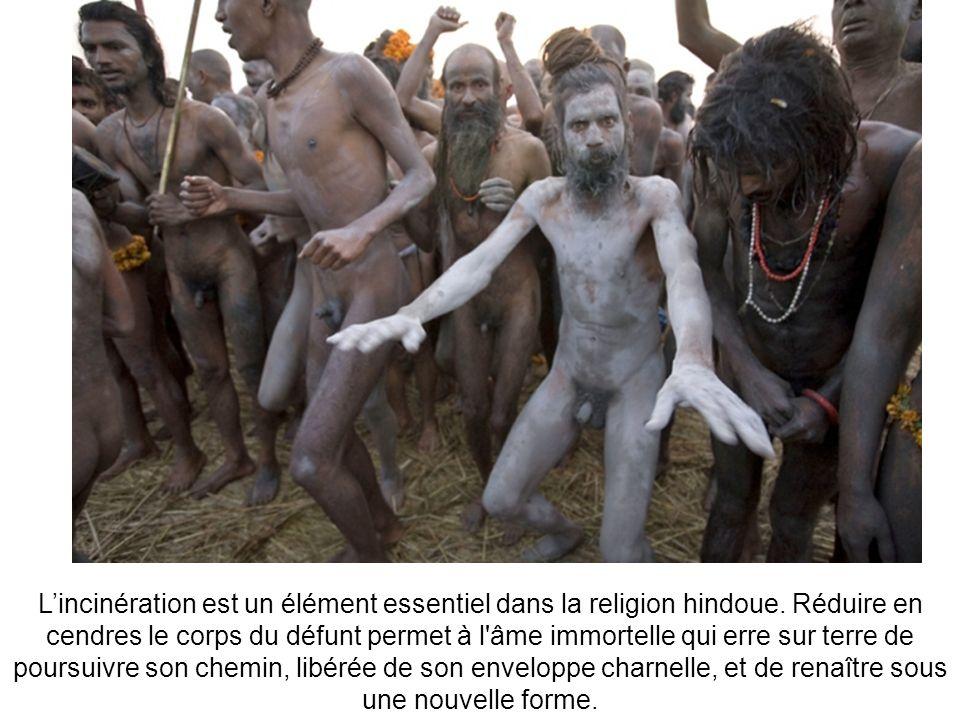 L'incinération est un élément essentiel dans la religion hindoue