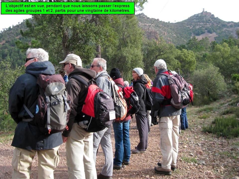L'objectif est en vue, pendant que nous laissons passer l'express des agiles groupes 1 et 2, partis pour une vingtaine de kilomètres.