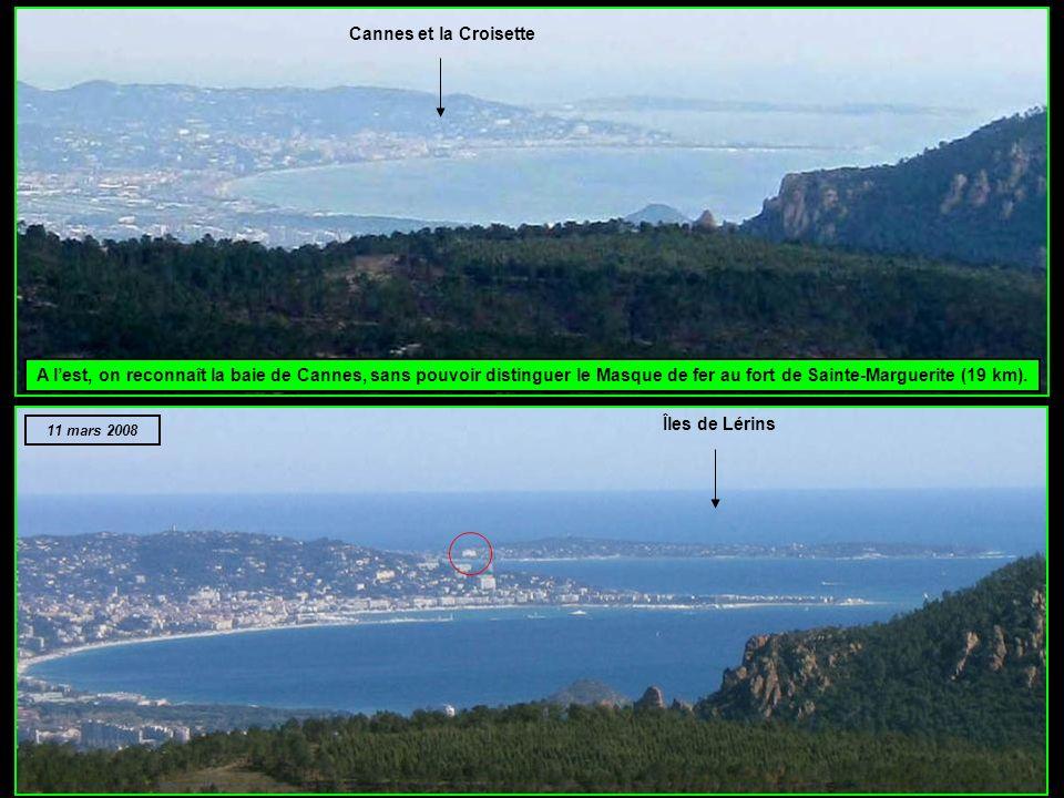 Cannes et la Croisette A l'est, on reconnaît la baie de Cannes, sans pouvoir distinguer le Masque de fer au fort de Sainte-Marguerite (19 km).