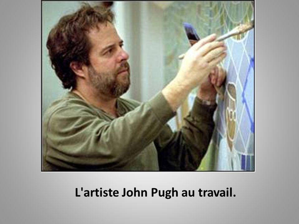 L artiste John Pugh au travail.