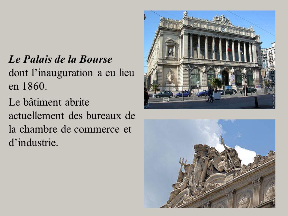 Le Palais de la Bourse dont l'inauguration a eu lieu en 1860