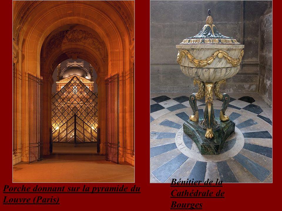 Bénitier de la Cathédrale de Bourges