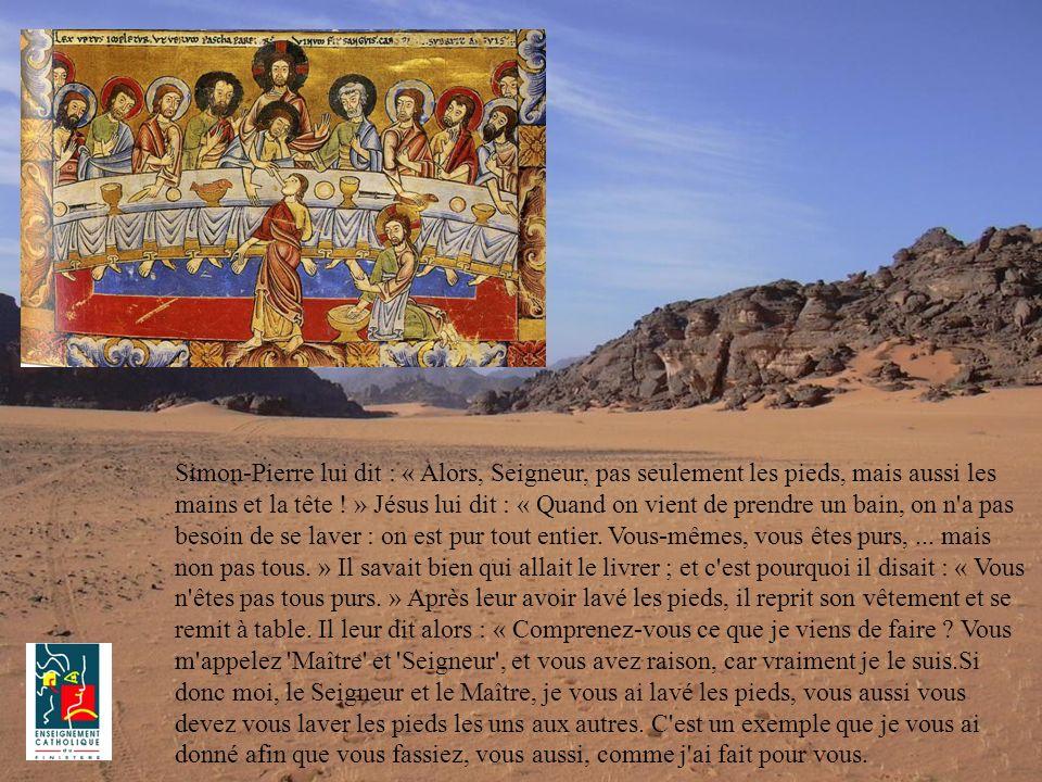 Simon-Pierre lui dit : « Alors, Seigneur, pas seulement les pieds, mais aussi les mains et la tête .