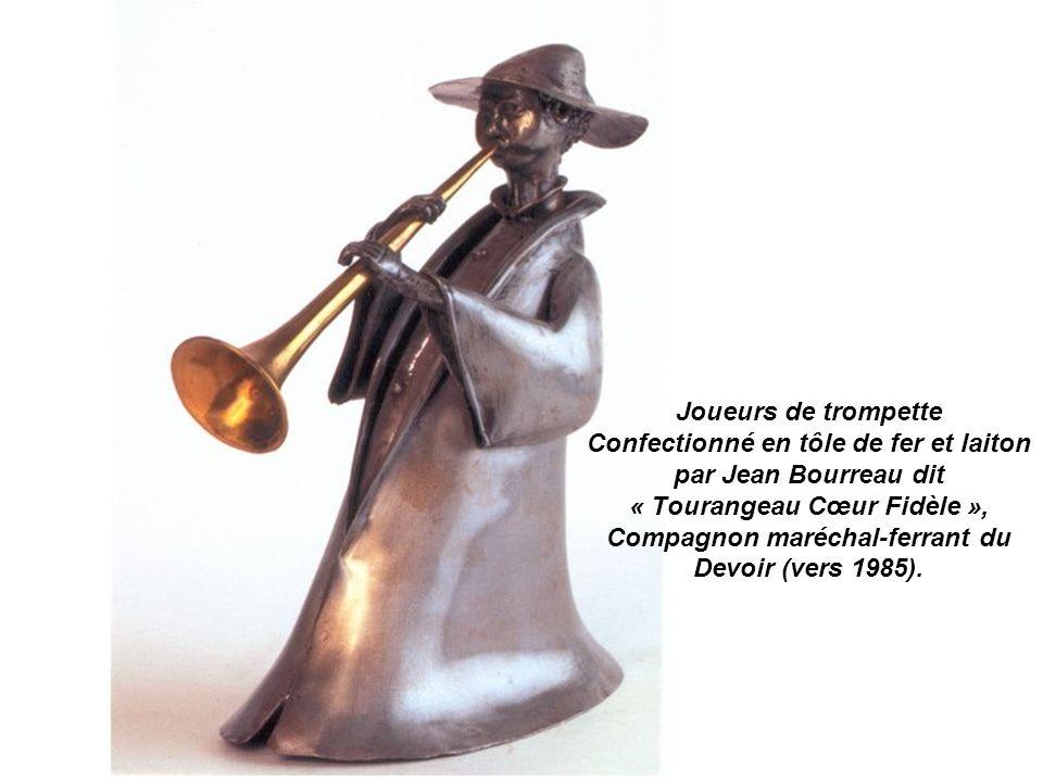 Joueurs de trompette Confectionné en tôle de fer et laiton par Jean Bourreau dit « Tourangeau Cœur Fidèle », Compagnon maréchal-ferrant du Devoir (vers 1985).