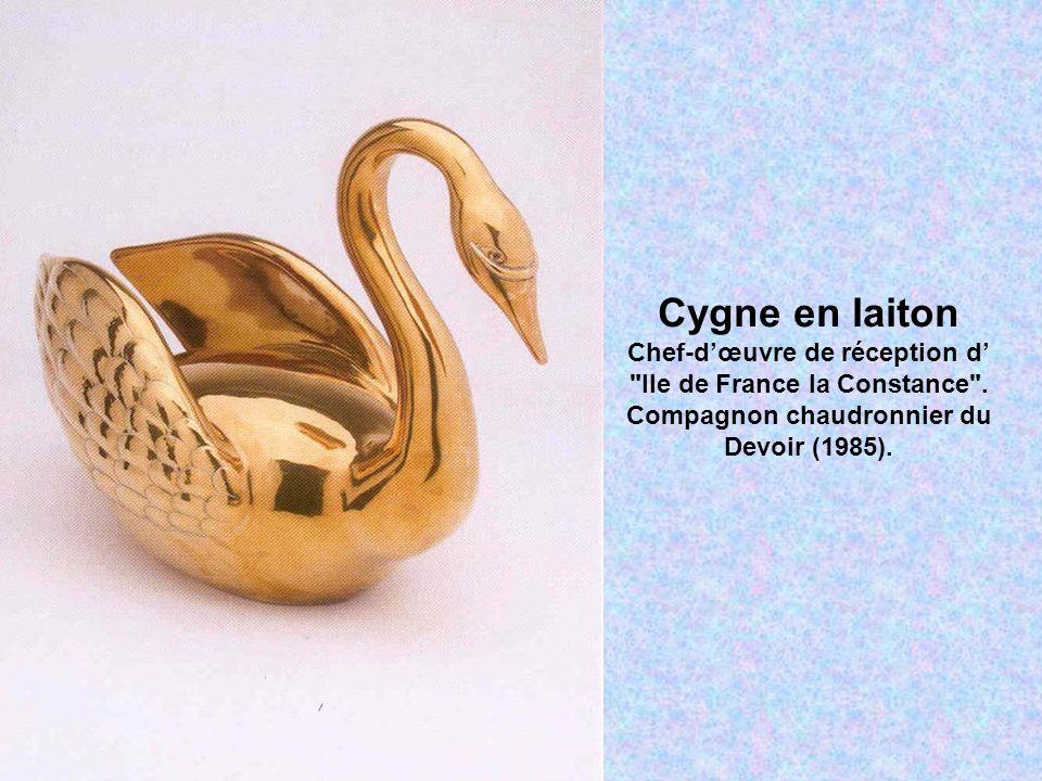 Cygne en laiton Chef-d'œuvre de réception d' Ile de France la Constance .