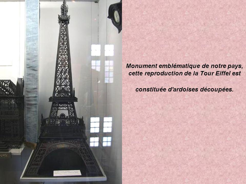 Monument emblématique de notre pays, cette reproduction de la Tour Eiffel est constituée d ardoises découpées.